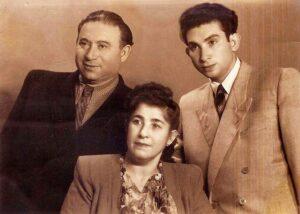 фото - Григорий, Софья и Лев Горелики - 1953 год