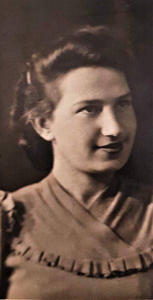 Лиля Равницкая, 1945 год. фото.