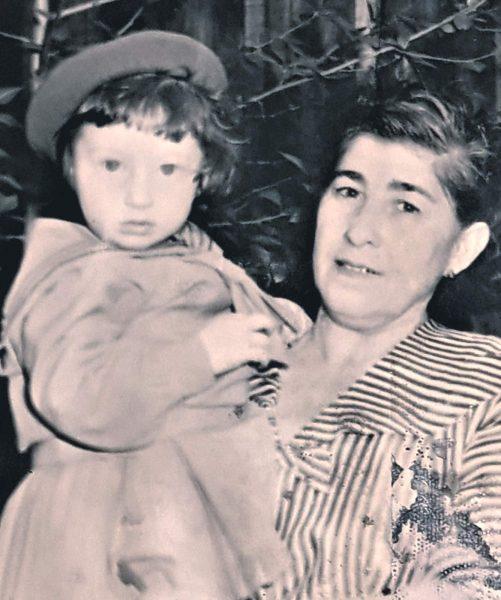 Баба Соня с Ирочкой